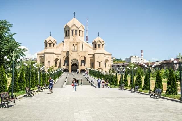 armenia-popitali-radio-erevan-6-opora-na-hristiyanstvoto-02